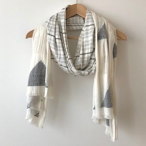 Madewell White textured scarf